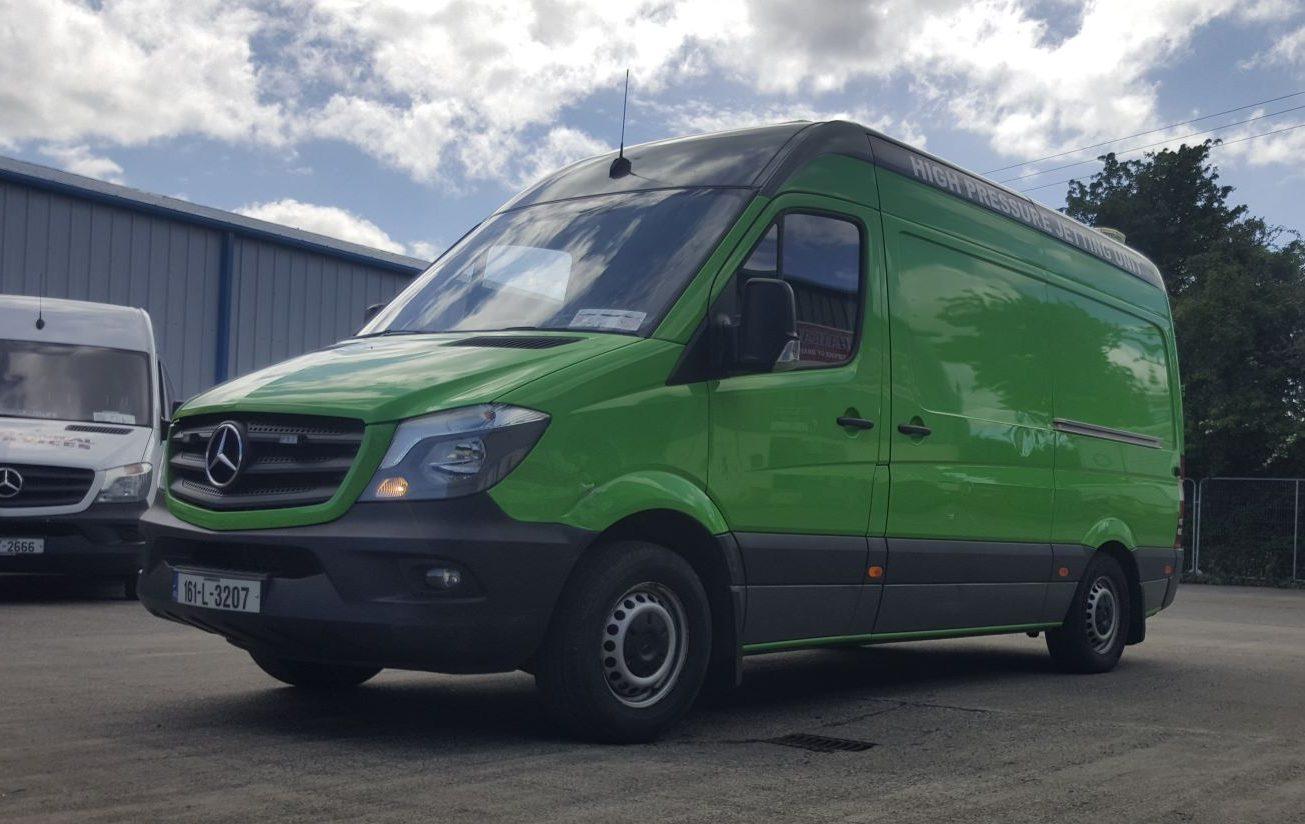 Van with vanpack